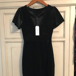 Dresses & Skirts - Black velvet dress